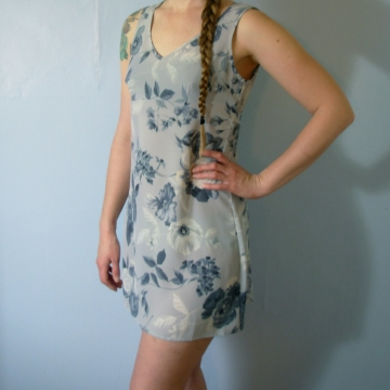 Vintage 90's light blue floral babydoll mini dress, grunge dress, empire waist, size medium
