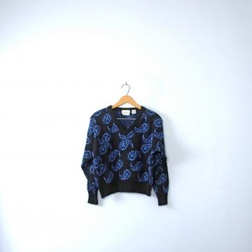 Vintage 80's dark navy sweater with metallic blue paisley designs, crop top, size medium M
