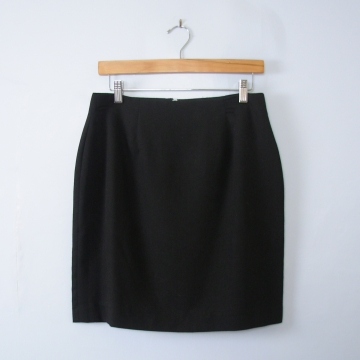 Vintage 90's black mini skirt, women's size 10
