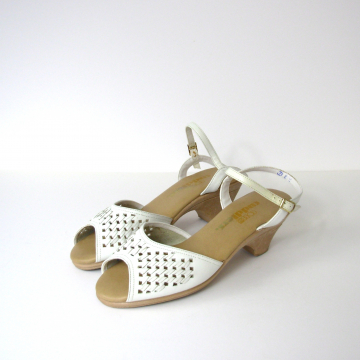 Vintage 70's white leather sandals with ankle strap, women's size 8