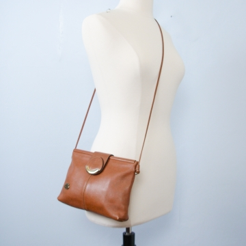 Vintage 70's Etienne Aigner small tan brown crossbody purse
