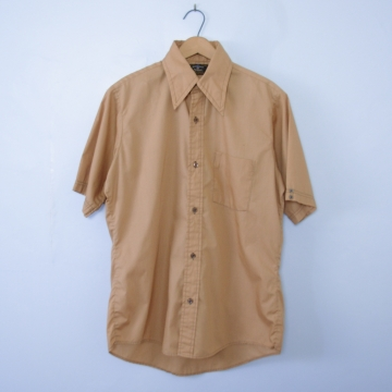 Vintage 70's caramel button up short sleeve shirt with pocket, men's size medium