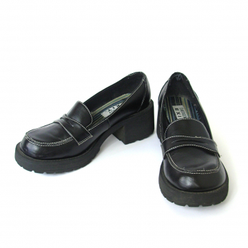 Vintage 90's black penny loafers with chunky platform heel, women's size 8