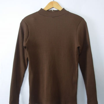 Vintage 70's brown ribbed knit long sleeved mock turtleneck, size medium