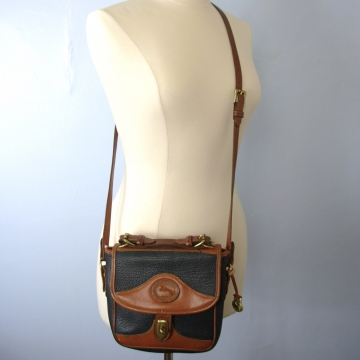 Vintage 90's Dooney and Bourke navy leather crossbody purse