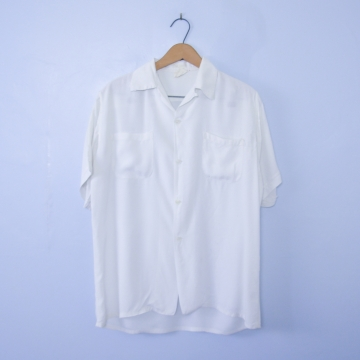 Vintage 90's distressed white button up short sleeve shirt with pockets, men's size small