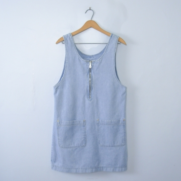 Vintage 90's denim jumper dress with pockets, size medium
