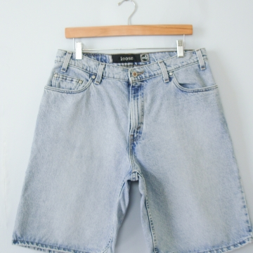 90's Levi's silver tab light denim shorts, men's size 34