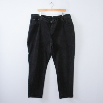 Vintage 90's high waisted black jeans with tapered leg, plus sized women's size 24 / 22