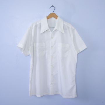 Vintage 70's white button up short sleeve shirt with pockets, men's size large