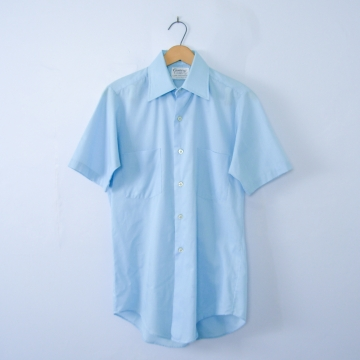 Vintage 70's sky blue short sleeved button up shirt with pockets, men's size small