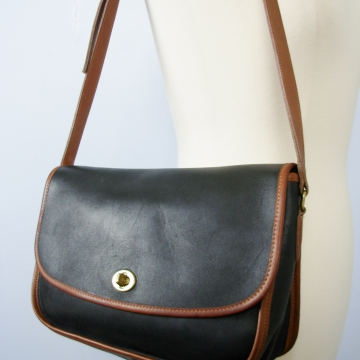 Vintage 90's black leather shoulder bag
