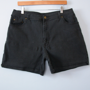 90's black mid rise stretch denim shorts, women's size 16 / 18