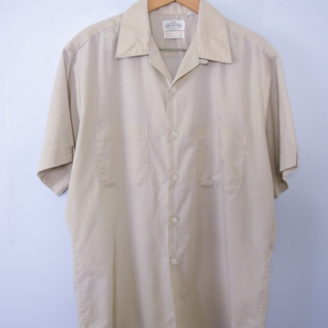 Vintage 60's khaki button up short sleeve shirt with pockets, men's size medium