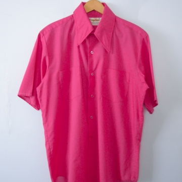Vintage 70's fuchsia pink short sleeved button up shirt with pockets, men's size medium