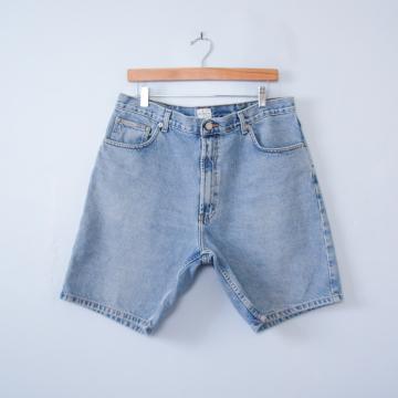 90's Calvin Klein denim shorts, men's size 34 / 36