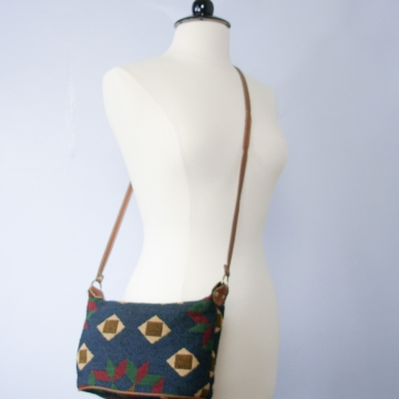 Vintage 90's small hobo shoulder bag, southwestern tapestry purse