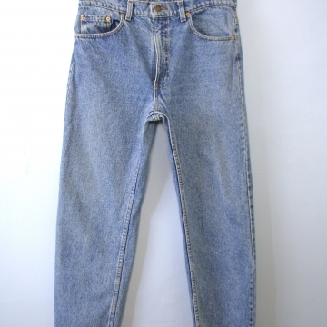 Vintage 80's Levi's 505 light blue denim straight leg jeans, men's size 34