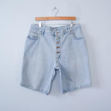 80's light wash denim shorts, men's size 36 / 38