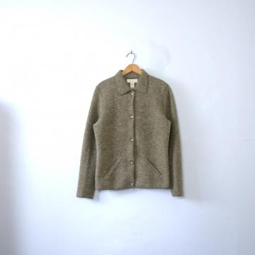 4cf2d9263f86 Vintage sweaters and sweatshirts