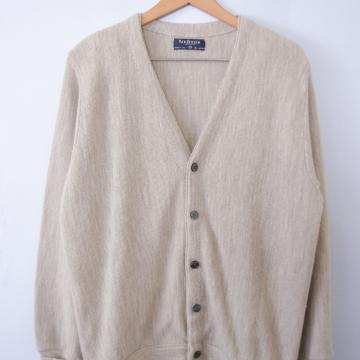 90's beige cardigan sweater, men's size medium