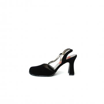 Vintage 90's black velvet slingback heels, women's size 8