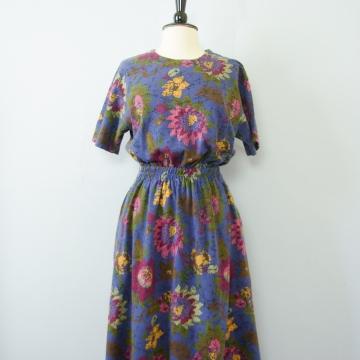 80's Eddie Bauer blue floral midi dress with pockets, women's size large