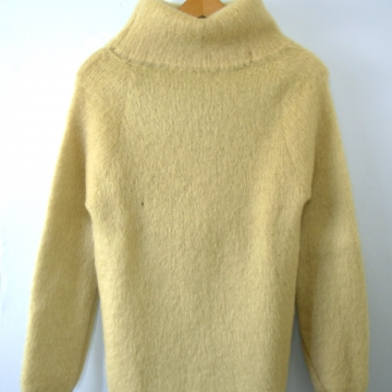 Vintage 60's pale yellow chartreuse Mohair turtleneck sweater, women's size small