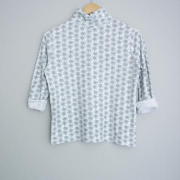 90's spiderweb turtleneck shirt, women's size small