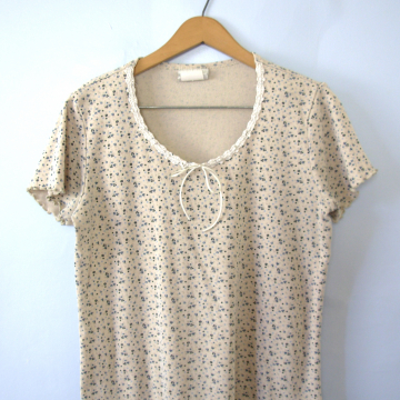 Vintage 90's ribbed knit floral shirt, crop top tee, women's size medium