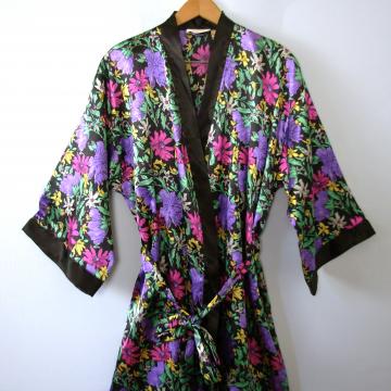 Vintage 90's Victoria's Secret silky satin black floral robe, size medium