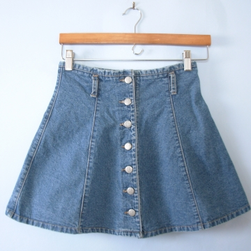 Vintage 90's blue denim mini skirt with buttons, size 4 / small