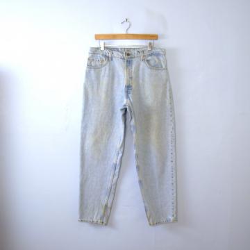 Vintage 80's Levi's 550 jeans, distressed light denim boyfriend jeans, men's size 36