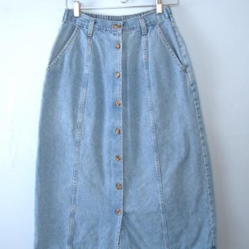 Vintage 90's long blue denim skirt with buttons, size 10 / medium