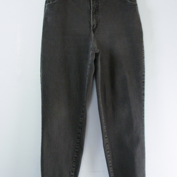 90's high waisted black stretch jeans with tapered leg, women's size 16 / 18
