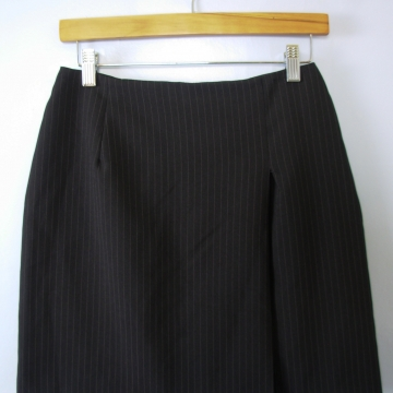 Vintage 90's pinstripe black mini skirt with side slit, women's size 6