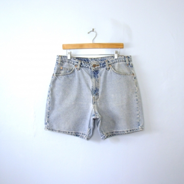Vintage 80's distressed Levi's 550 denim shorts, bermuda jean shorts, men's size 36