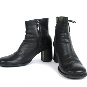 Vintage 90's Harley Davidson black leather ankle boots with block heel, high heeled booties, size 8.5