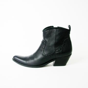 Vintage 90's black cowboy ankle boots, women's size 8.5