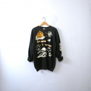 Vintage 90's Halloween sweatshirt, Trick or Treat spooky graphic sweatshirt, size XL